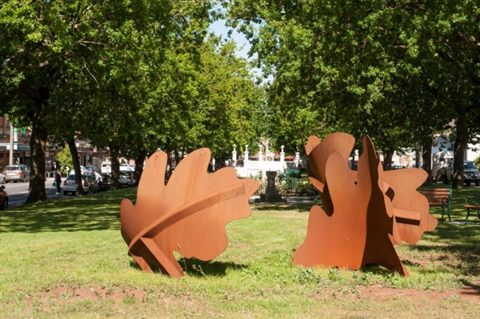 Terang sculputure: Artists, Glen Manning & Kathy Daly
